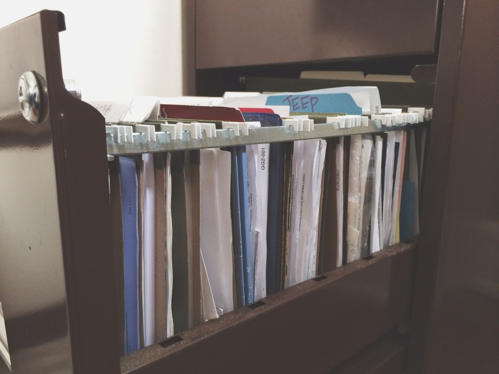 an organized home: paperwork