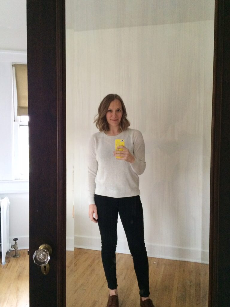 Everlane cotton sweater + black skinnies + oxfords